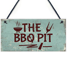 BBQ Pit Novelty Hanging Garden Sign Barbeque Shed Summerhouse Plaque Men Gifts