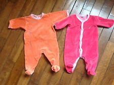 Lot 2 pyjamas fille 3 mois de la marque Petit Bateau en excellent état