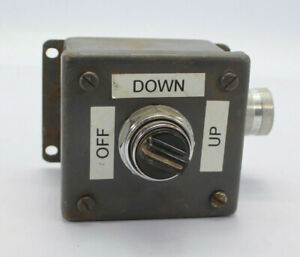 Cutler-Hammer 3-Position Selector Switch Box Used