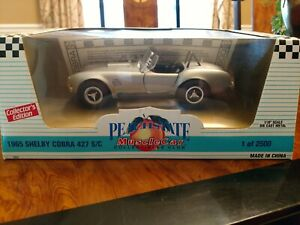 Shelby Cobra 427 S/C silver in box 1:18 scale by Ertl American Muscle  885/2500