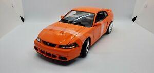 Maisto 2003 Ford SVT Cobra 1:18 Diecast Car Special Edition