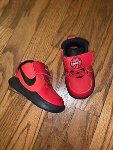 NEW Nike Toddler RedBlack Team Hustle Boys (TD)  Boys Sneakers Size 4C Retail$45