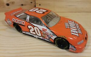 Tony Stewart #20 Home Depot NASCAR 2000 Winner's Circle Die cast 1:24 Stock Car