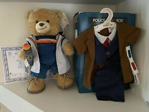 Build a Bear  Exclusive DOCTOR  WHO  Bear 10th  / 13th  Doctor Gift Set