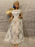 Vintage Barbie Doll 1975 Twist & Turn Blonde With Bride Dress Bendable Knees