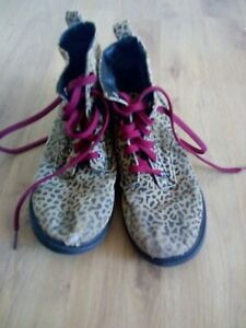 Fairly well worn shoes women's shoes size 39 size 6