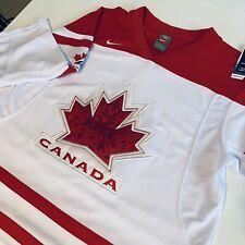 Nike Team Canada 2010 Vancouver Olympics Hockey NHL Jersey Size Small Boys 8/14