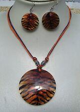 Set: Halskette mit Perlmutt-Scheibe, Muschel-Anhänger + Ohrhänger, Motiv: Tiger