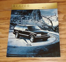 Original 2000 Chevrolet Blazer Deluxe Sales Brochure 00 Chevy