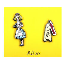 Alice in Wonderland & Drink Me Twin Pin Set - Badge / Pin / Lapel Pin by Unemplo
