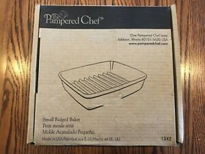 """Pampered Chef Small Ridged Baker #1342 Stoneware 9"""" x 6 3/4"""" New in Box"""