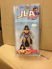 DC Direct JLA Classifield Classic Wonder Woman,Nuevo