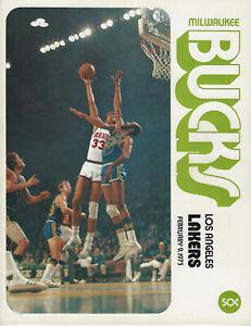 1973 Milwaukee Bucks vs LA Lakers program Kareem Lew Alcindor Cover 2/9/73
