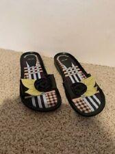 Ladies Me Too Flat Black Sandals with Flower Detail Size 7.5M Marien