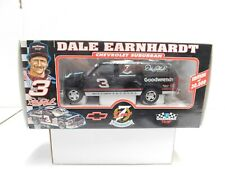 DALE EARNHARDT CHEVY SUBURBAN  1.24 NEW IN THE BOX GOODWRENCH BROOKFIELD