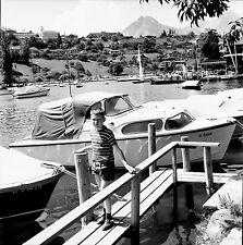 SUISSE c. 1960 - Enfant Bateaux Lac de Thoune Spiez - Négatif 6 x 6 - Sui 249