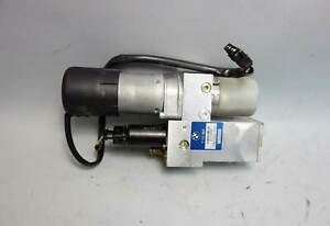 2006-2010 BMW E61 5-Series Touring Wagon Rear Trunk Automatic Lifter Motor Hydro