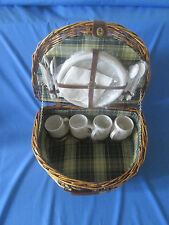 Picnic Hamper Basket Wicker Four person with Place Settings