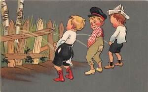 Lot169 boys peeing on a fence comic postcard germany urinating comic