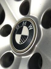 """3D CARBON AUFKLEBER für BMW Emblem Logo in SCHWARZ """"MADE in GERMANY"""" 01-05"""