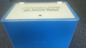 Polymate FIshing Live Well/ BaitTank.35Ltr Blue UV Stabilised - with hinged lid