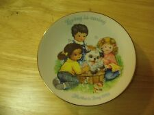 "1989 Avon Collector's Mother's Day Plate ""Loving Is Caring"" 6"""