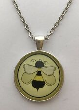 "BUMBLE BEE PICTURE PENDANT 2 IN SILVER 16 - 22"" CHOOSE CHAIN SIZE IN VELVET BAG."
