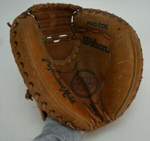 Wilson A2403 Professional Model Catcher's Mit Baseball Glove