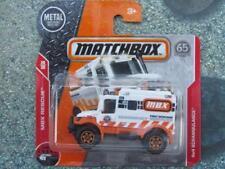 Matchbox 2018 #076/125 4x4 SCRAMBULANCE white ambulance CaseC