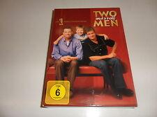 DVD  Two and a Half Men: Mein cooler Onkel Charlie - Die komplette erste Staffel