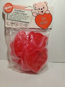 New/Sealed 1988 Wilton Sweetheart Cookie Cutters Set, Valentines Vintage Heart