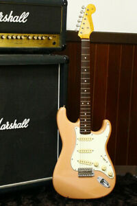 Rare Color Shell pink Fender Japan '62 reissue Stratocaster ST-62 Made in Japan