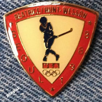 Field Hockey Olympic Pin~Sponsor~Beatrice~Hunt~Wesson~1988 Seoul, Korea