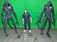 Neca Aliens Bishop + 2 Xenomorph Alien Warriors - Used