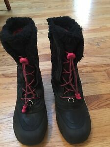 Girls The North Face Snow Boots Size 4 Black Fleece HeatSeeker Lace-Ups
