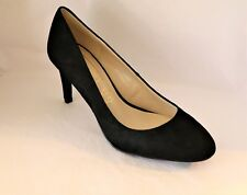 AUTOGRAPH Brand Women's Black Suede Classic Heels Shoes Size 6 NEW