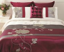 Paxton Wiggin Lyndhurst Appliqu Faux Silk Berry QUEEN Size Quilt Doona Cover Set