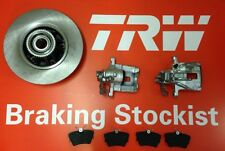 Vauxhall Vivaro Pair Of Rear Calipers Discs Inc Bearings + Pads 2001 - 2012