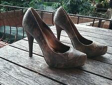 Pulp snakeskin heel  size 6 good condition  FREE POSTAGE