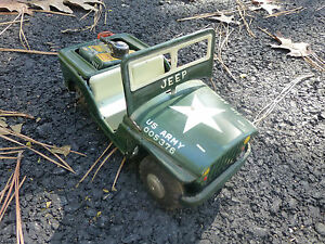 U.S. ARMY 005376 Jeep Machine Gun-Rear Seat Friction Tin Toy Pressed Metal