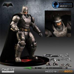 Armor BATMAN One:12 Collective Quality PVC Mezco Replica Action Figure With Box