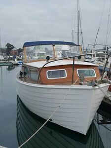 boat - 1966 Halvorsen 25 ft. skiff. Well maintained Looks Great