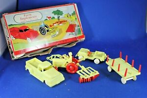 O/S - Plasticville - #1302 Farm Implement - Yellow Red - VG Condition