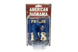 """DOUG FILLING OIL MECHANIC AMERICAN DIORAMA 1:18 Scale Figurine 3.75"""" Male Figure"""