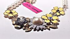 BETSEY JOHNSON DAISY FLOWER FAUX LARGE PEARL NECKLACE OPERA LENGTH YELLOW/GREY
