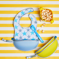 b.box travel bib and spoon with Food Catcher Pocket & Zipper Blue Shinning Star