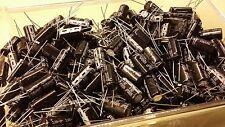 Lot de 10 Condensateurs 1000µF 35V JAKEC pas de 5.08mm  105°