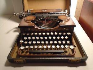 Royal Shades of Brown Vintage 30's Working Manual Typewriter Model P w / Case