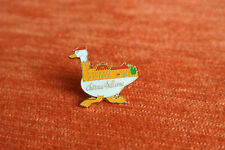 14140 PIN'S PINS CHATEAU BELLEVUE OIE GOOSE CASTLE 64 BAIGT BEARN BERET BASQUE