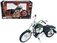 2013 HARLEY DAVIDSON XL 1200V SEVENTY TWO MOTORCYCLE MODEL 1/12 BY MAISTO 32335